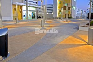 Checkerboard Pattern with Old Navy in the background at the Tanger Outlets in Daytona, FL, installed by Bomanite Licensee Edwards Concrete located in Winter Gardens, FL.